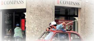"""Prestiti Compass: dal video della promozione """"Senza bandiera non è lo stesso"""""""